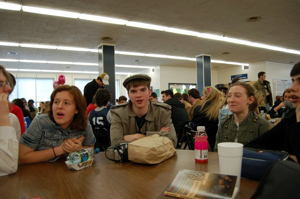 Teenagers In Cafeteria - Teen Rehab