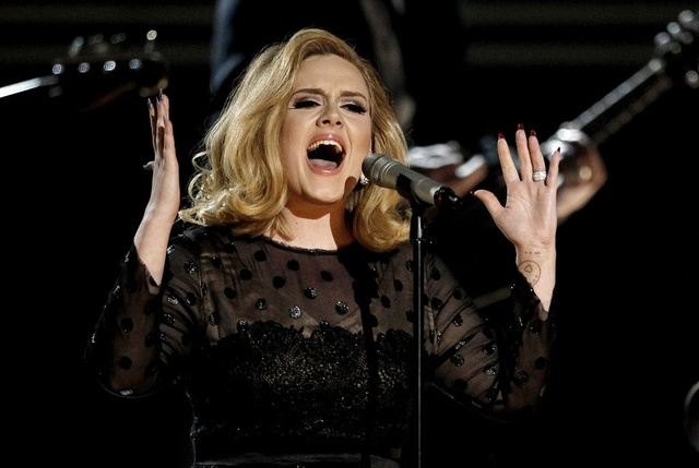 Adele Singing At Concert - Teen Rehab