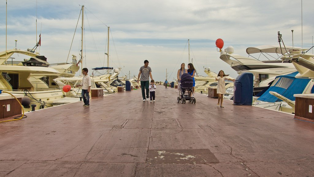 Family Walking On Pier - Teen Rehab