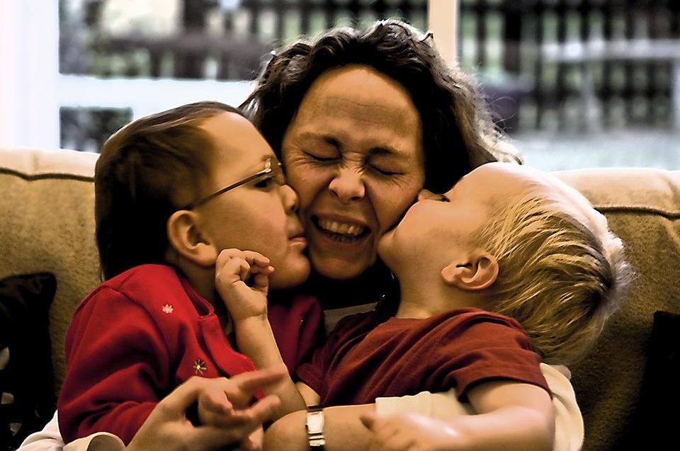 Kids Kissing Mom - Teen Rehab