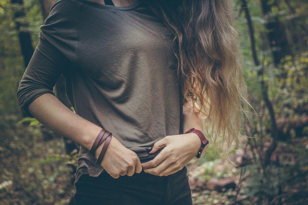 girl-839613_1280