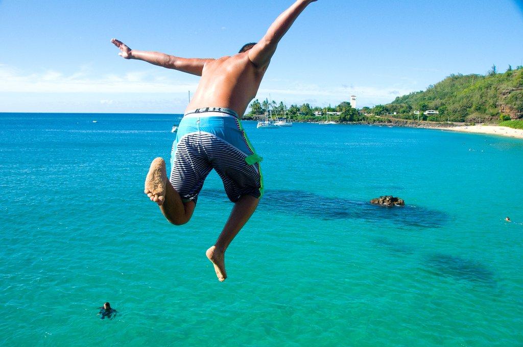jump-into-ocean