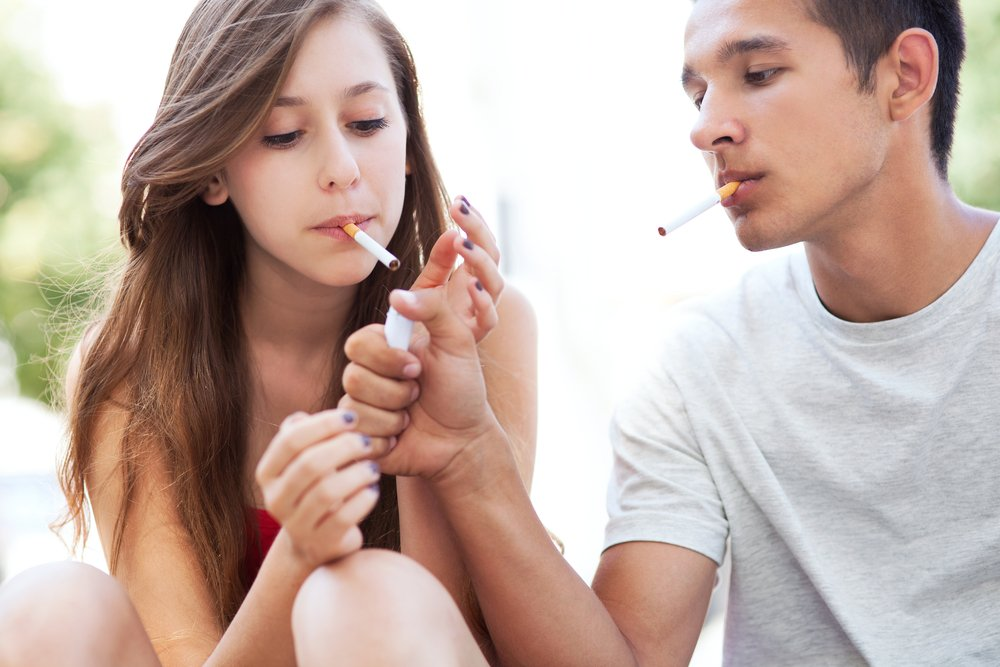 teens teenagers cigarettes smoking