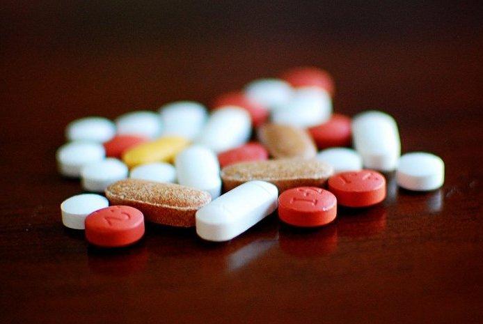 pills opiates drugs