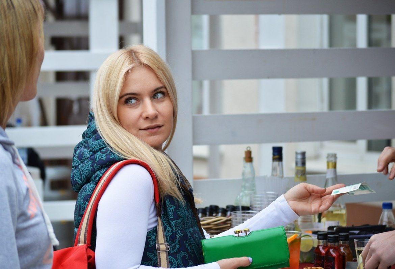girl woman shopping spending money