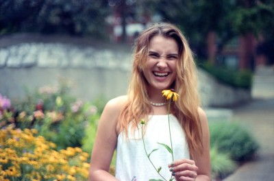 girl-woman-laugh-flower