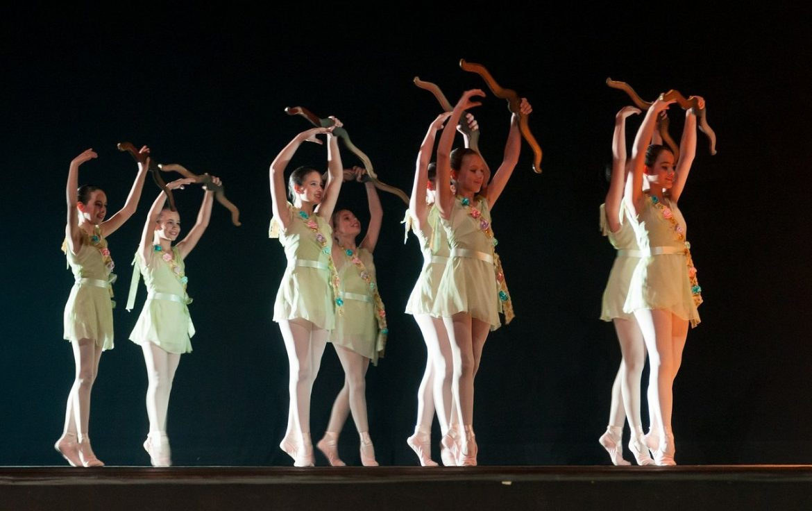teen girls dance ballet
